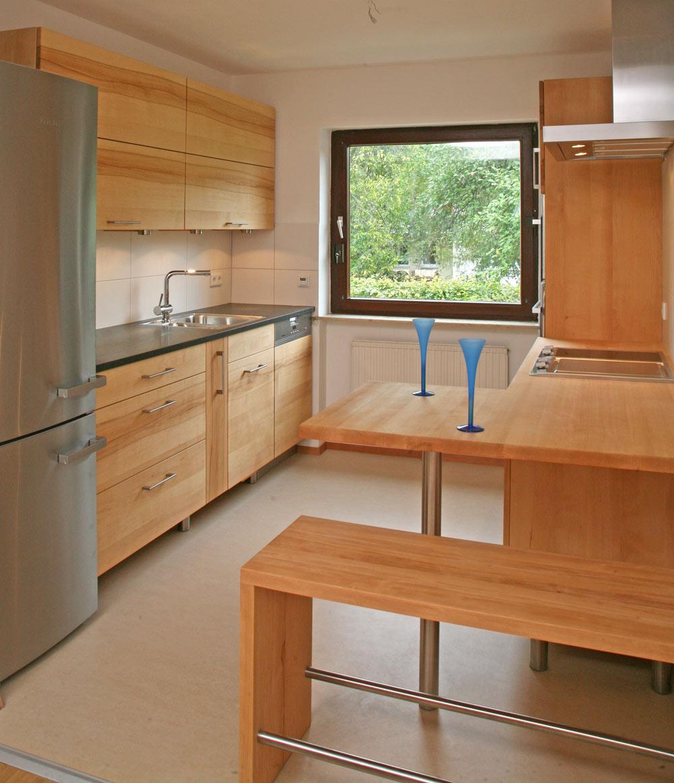 die besten k chen der m belmacher im jahr 2011 aus dem massivholz der region die m belmacher. Black Bedroom Furniture Sets. Home Design Ideas