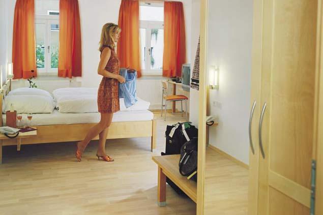 Fußboden Bauer Lappersdorf ~ Hotelzimmer allergikerfreundlich im cafe bauer die möbelmacher