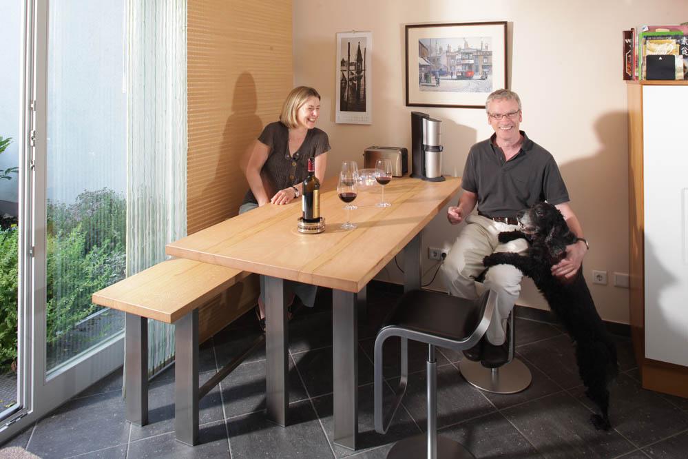 die besten esspl tze und massivholztische der m belmacher aus dem jahr 2011 die m belmacher. Black Bedroom Furniture Sets. Home Design Ideas