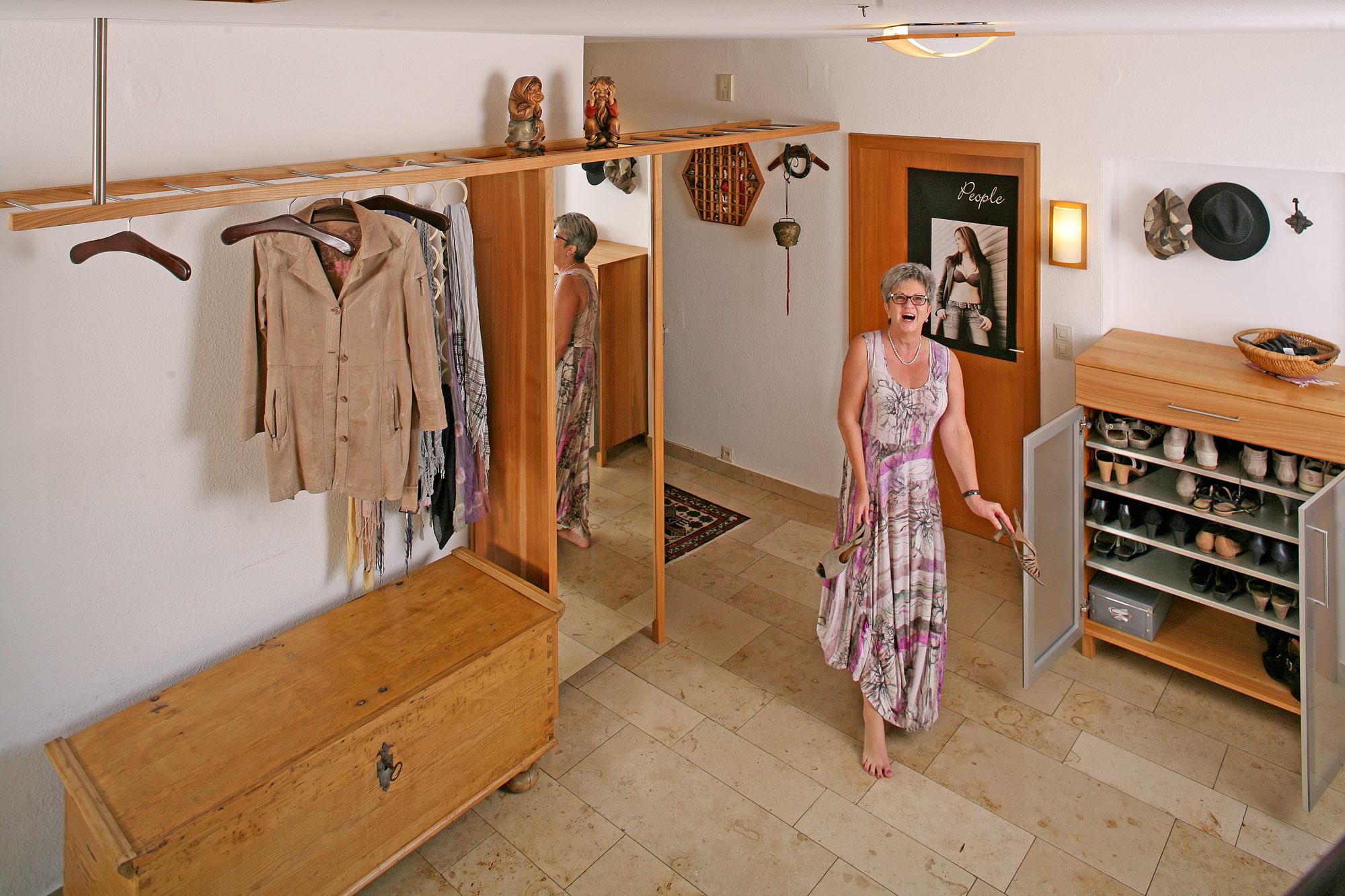 Garderobe die m belmacher for Garderobe viele jacken