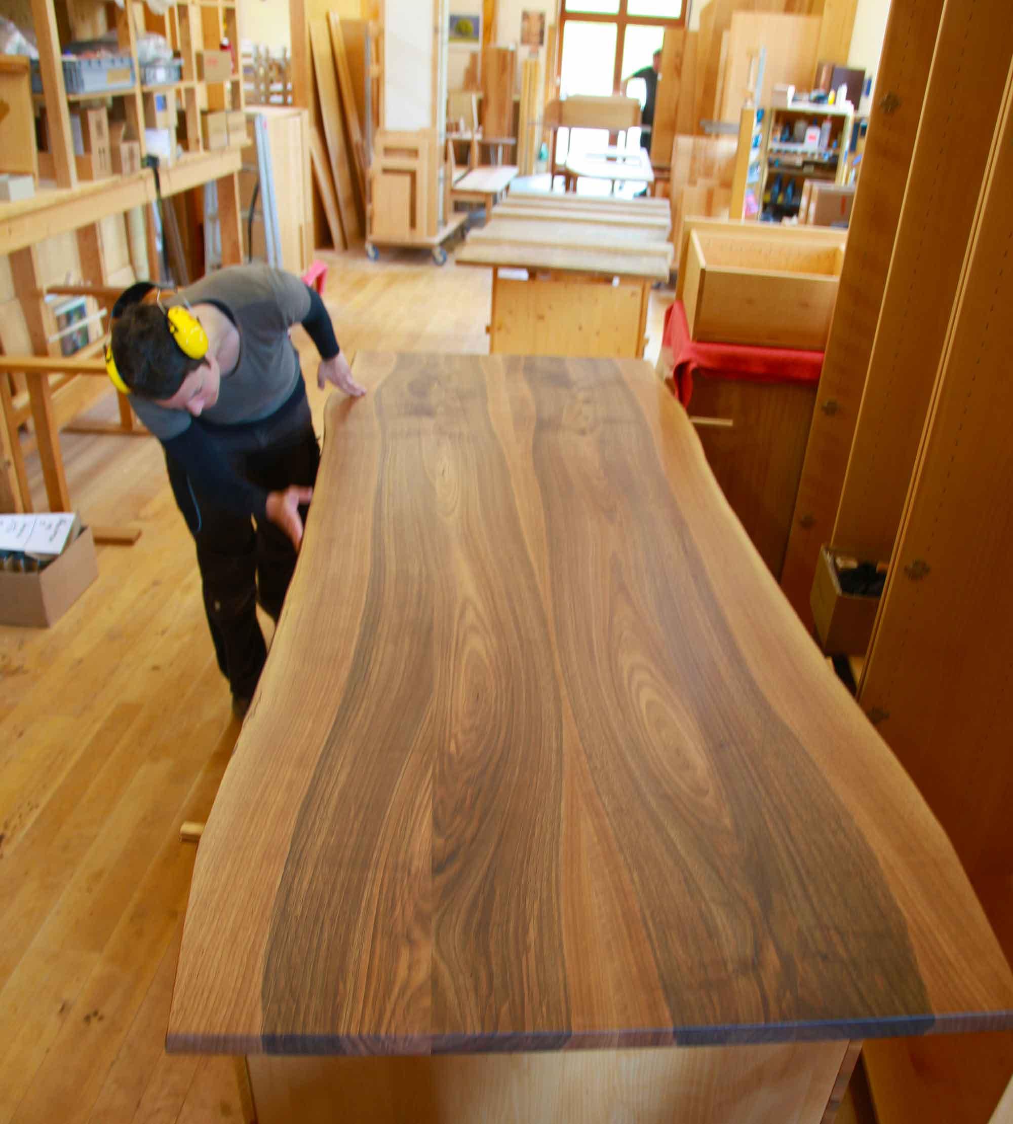 Massivholztische und Essplätze 2012 : Die Möbelmacher