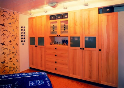 Fußboden Schlafzimmer Mitnehmen ~ Schlafzimmer aus fränkischem massivholz wie eiche buche elsbeere