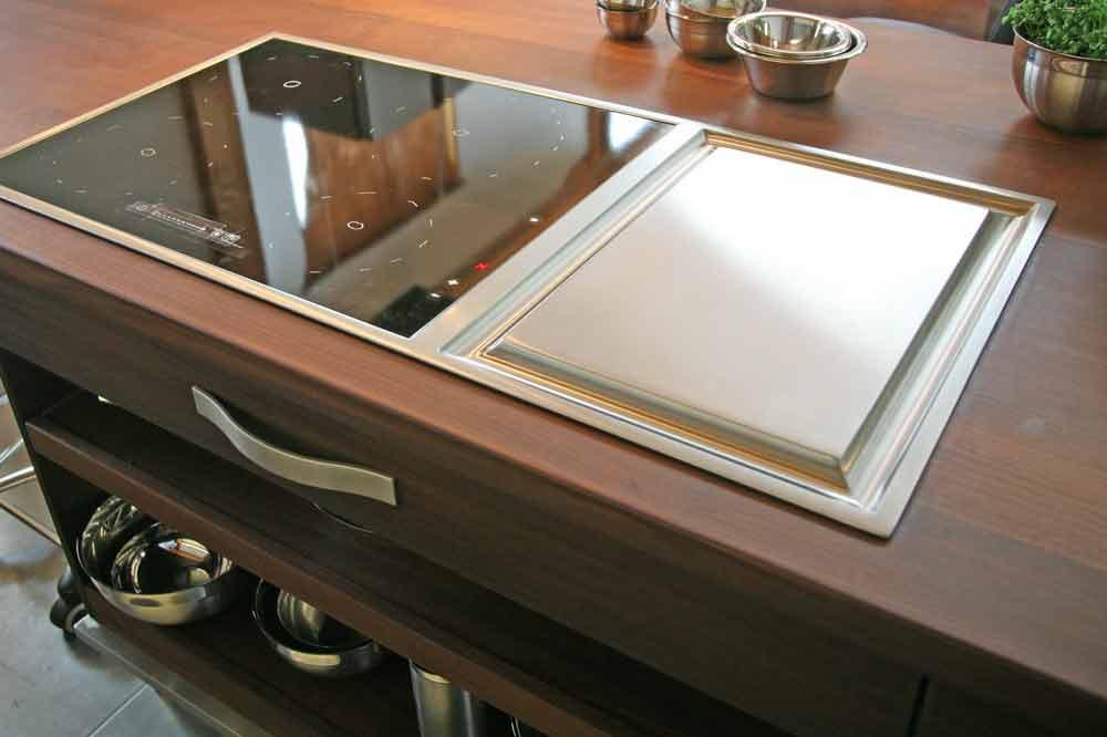 tag der k che aus massivholz am 12 die m belmacher. Black Bedroom Furniture Sets. Home Design Ideas
