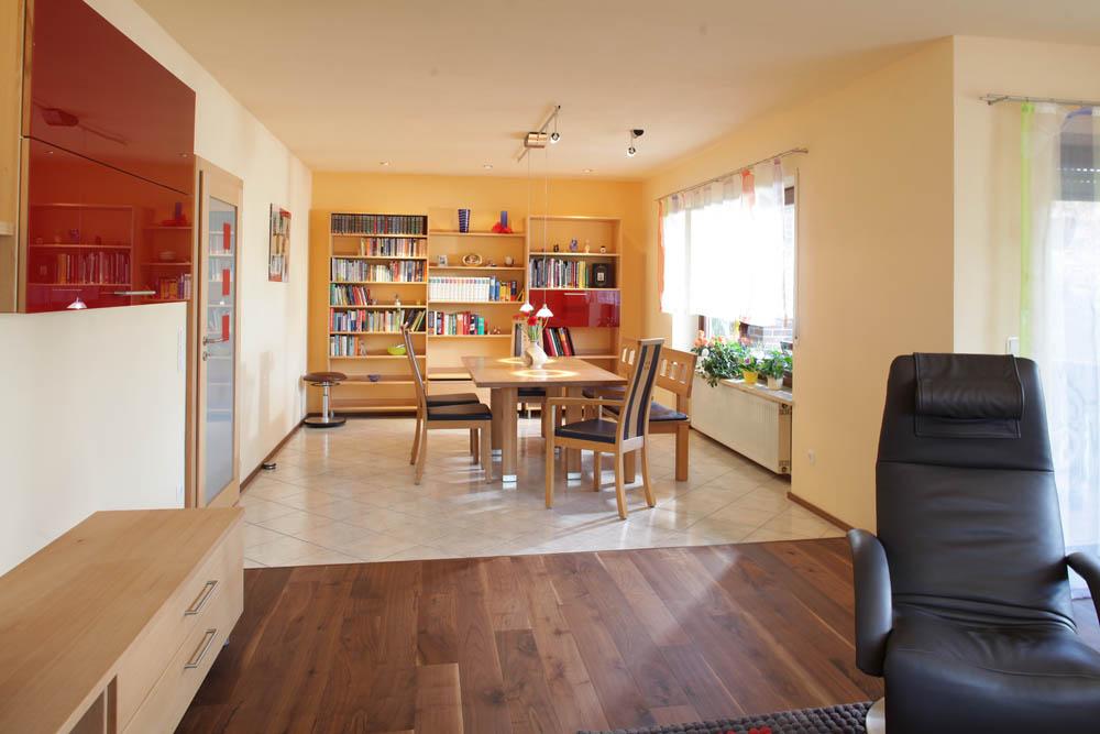 Massivholz wohnzimmer aus buche von den m belmachern aus unterkrumbach kopie 1 die m belmacher - Hausbibliothek regalwand im wohnzimmer ...