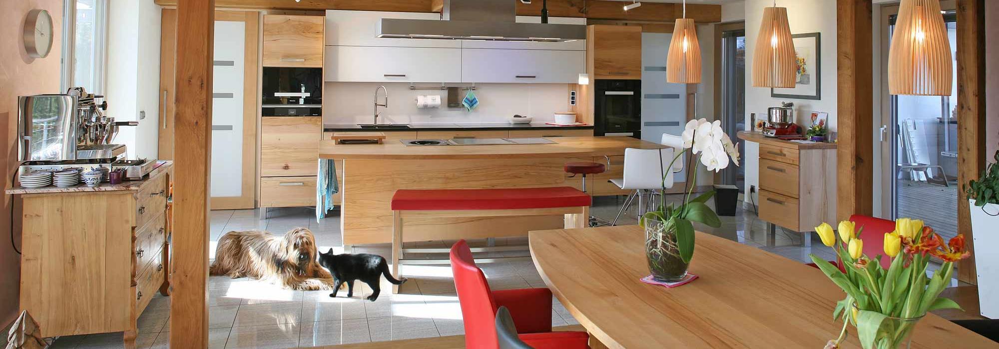 Massivholzmöbel und Massivholzküchen nachhaltig: Die Möbelmacher