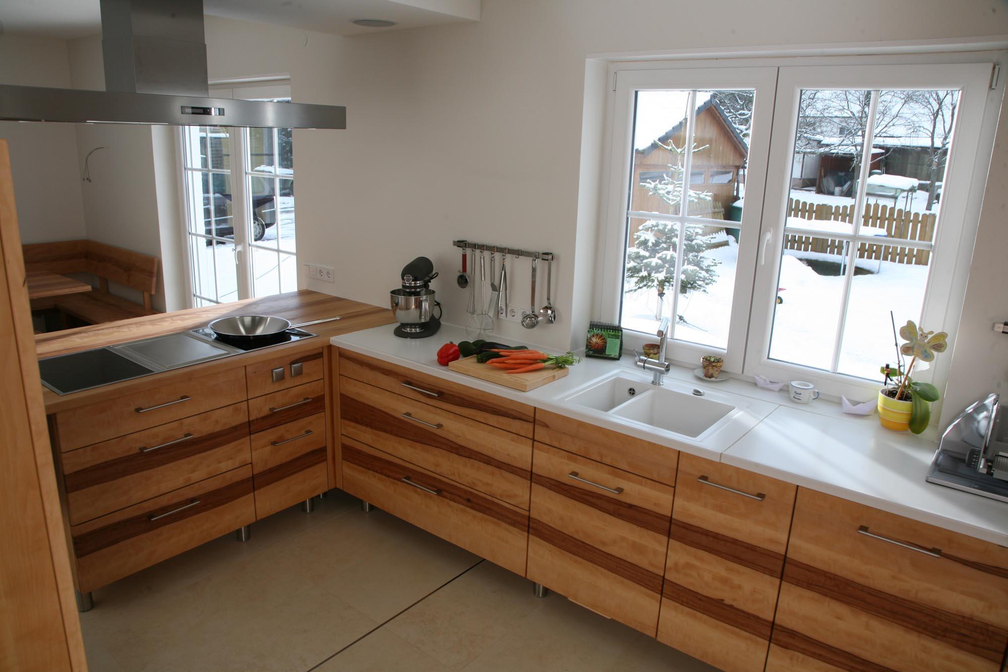 Keramikplatte küche  Massivholzküchen, Vollholzküche, Designküche, Holzküche aus Buche ...
