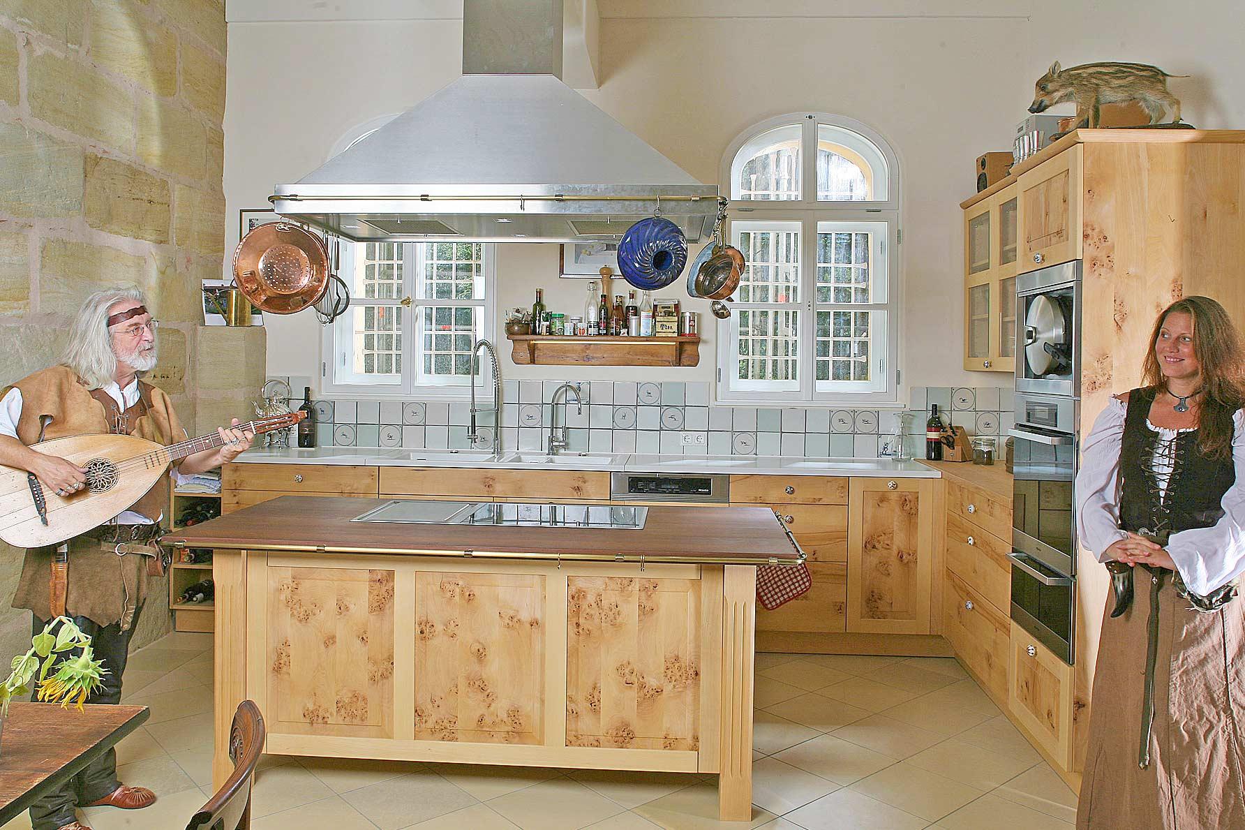 Massivholzküche Von Schloß Weiherhaus Im Landhausstil