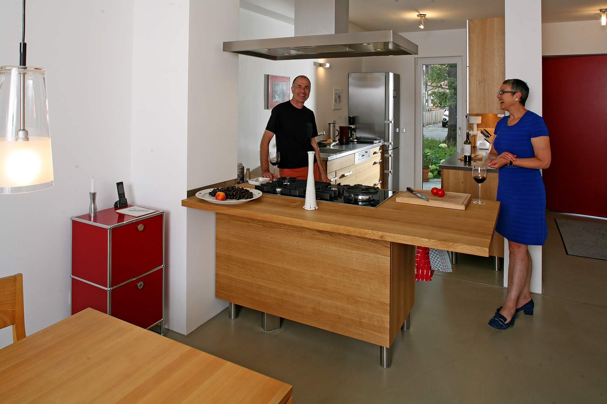 Vollholzküche Aus Masiver Eiche Mit Arbeitsplaten Aus Edelstahl